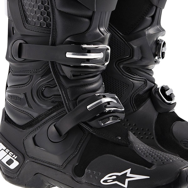 alpinestars tech 10 boot black 3 buckle closure system